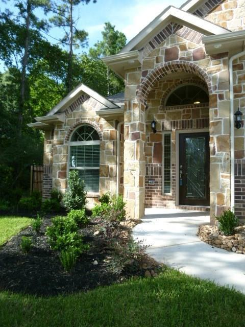 210 La Costa, Montgomery, TX 77356 (MLS #73782571) :: Krueger Real Estate