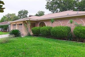 11827 S Willow Circle, Missouri City, TX 77071 (MLS #73943139) :: The SOLD by George Team