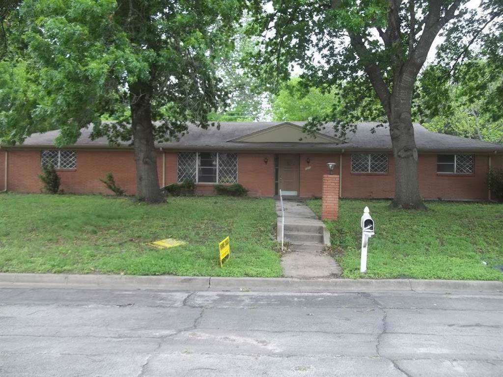 2600 Driftwood Street - Photo 1