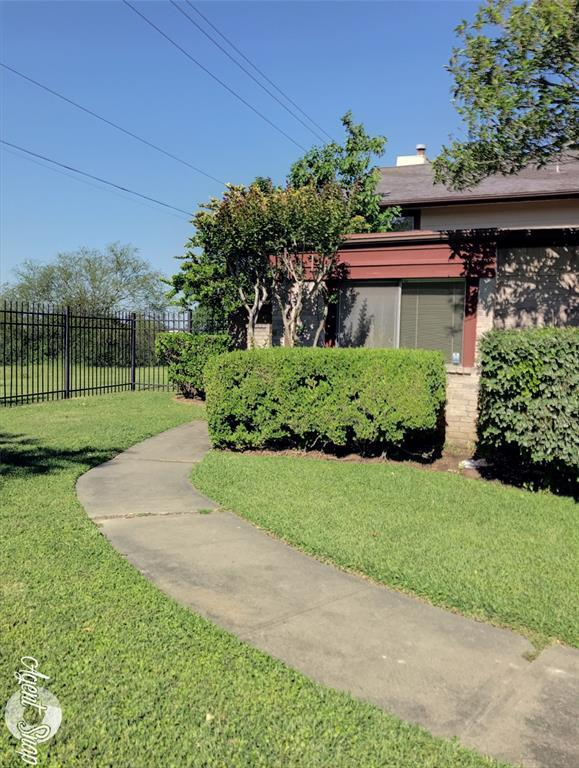 12546 Wellington Park, Houston, TX 77072 (MLS #74231377) :: Ellison Real Estate Team