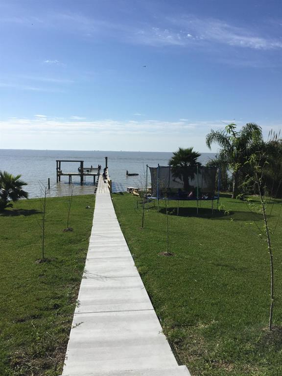 8720 Ocean Drive, Beach City, TX 77523 (MLS #74273852) :: Giorgi Real Estate Group