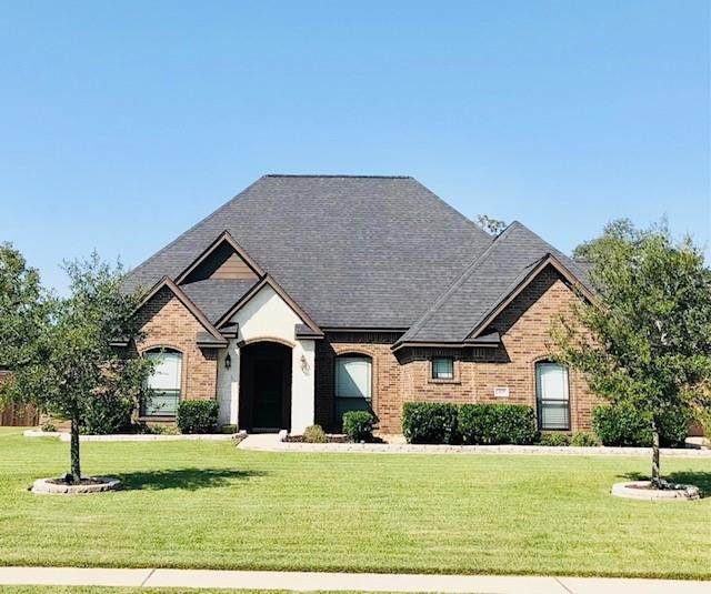 401 Heritage Oaks Drive, Angleton, TX 77515 (MLS #74312181) :: Ellison Real Estate Team