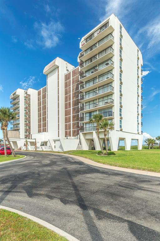 415 East Beach Drive #405, Galveston, TX 77550 (MLS #74376055) :: Caskey Realty
