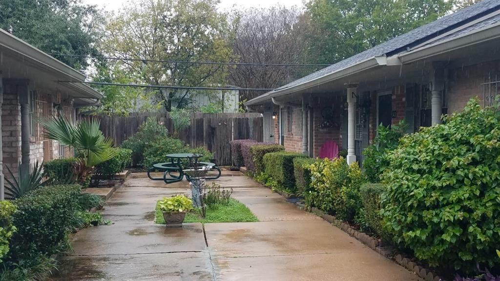 1108 Tri Oaks Lane - Photo 1