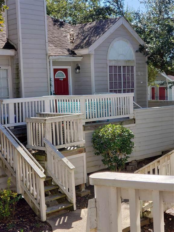 111 Dunbar Estates Dr Drive #704, Friendswood, TX 77546 (MLS #74511748) :: Ellison Real Estate Team