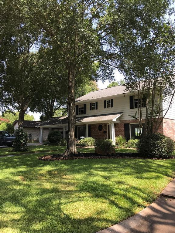 18219 Caprice Lane, Houston, TX 77058 (MLS #74793646) :: The SOLD by George Team