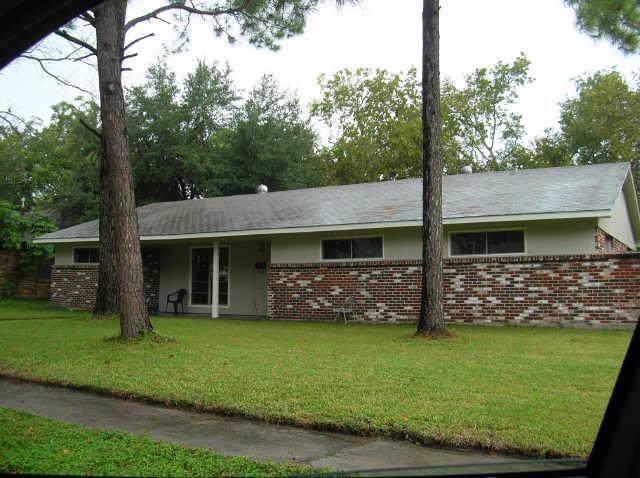 8938 Altamont Drive, Houston, TX 77074 (MLS #74848308) :: Texas Home Shop Realty
