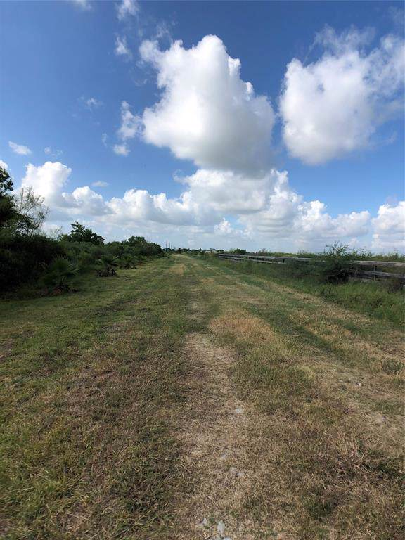 0 Blk 125, San Leon, TX 77539 (MLS #75045141) :: The SOLD by George Team