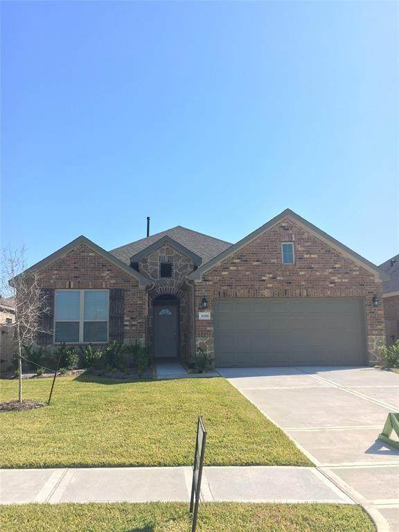 4219 W Bayou Maison Circle, Dickinson, TX 77539 (MLS #75158605) :: The Home Branch