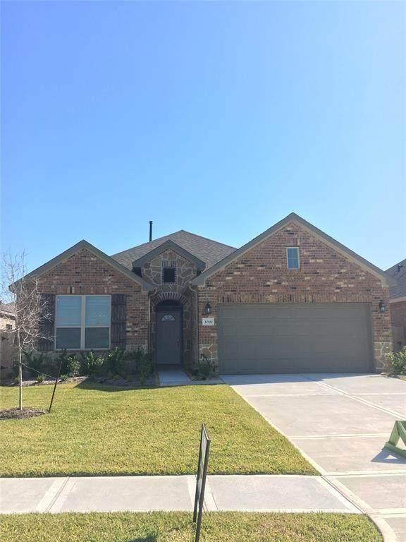 4219 W Bayou Maison Circle, Dickinson, TX 77539 (MLS #75158605) :: Ellison Real Estate Team