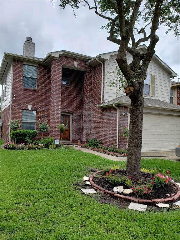 9226 Grove Haven Drive, Houston, TX 77083 (MLS #75382430) :: NewHomePrograms.com LLC