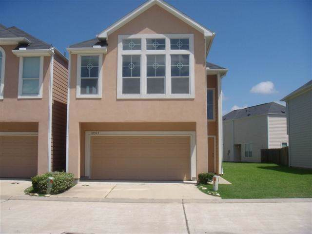 12523 Panther Villa Court, Houston, TX 77099 (MLS #75750068) :: Texas Home Shop Realty