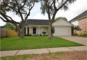 2115 Dublin Drive, League City, TX 77573 (MLS #75759304) :: Hidden Paradise Realty Team
