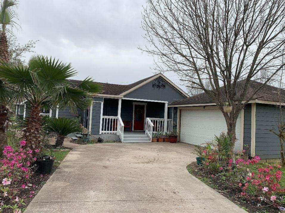 8824 County Road 414 - Photo 1