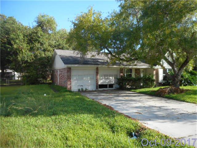 4909 30th Street, Dickinson, TX 77539 (MLS #76134158) :: The SOLD by George Team