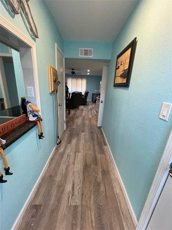 215 Post Office Street #210, Galveston, TX 77550 (MLS #76361188) :: Len Clark Real Estate