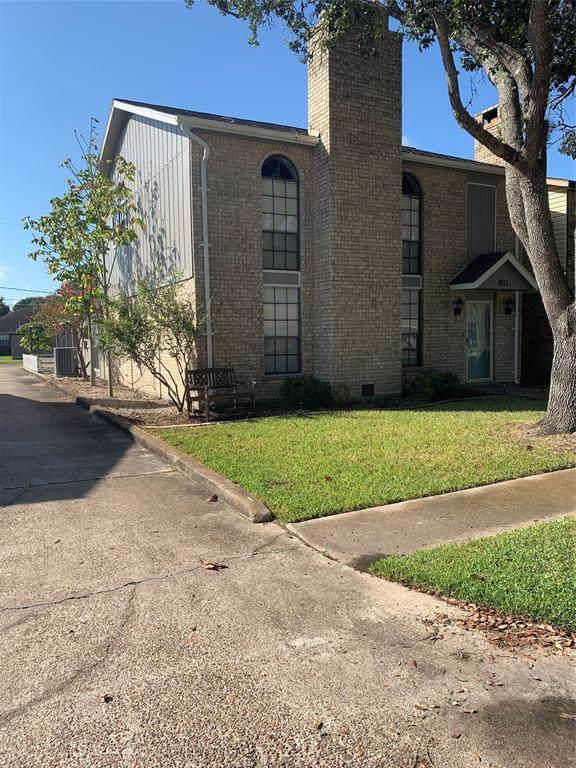 833 Clubside, East Bernard, TX 77435 (MLS #76490887) :: Green Residential
