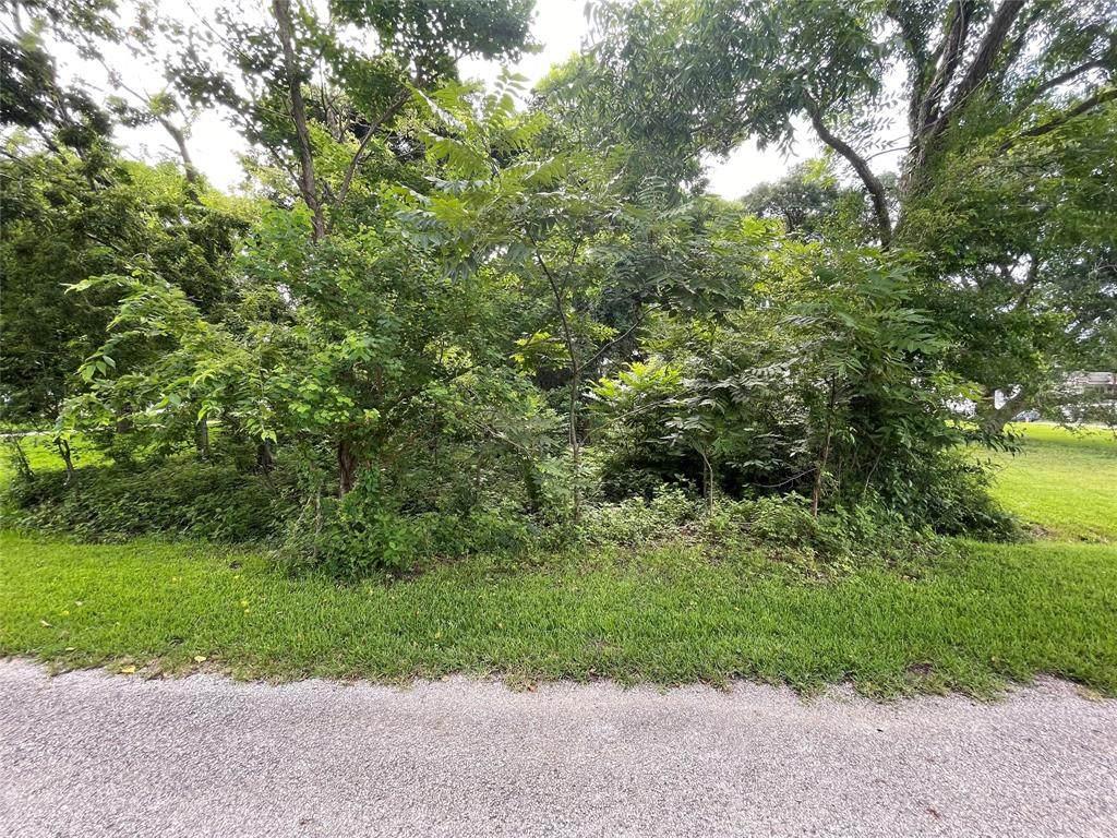 185 Private Road 652 - Photo 1
