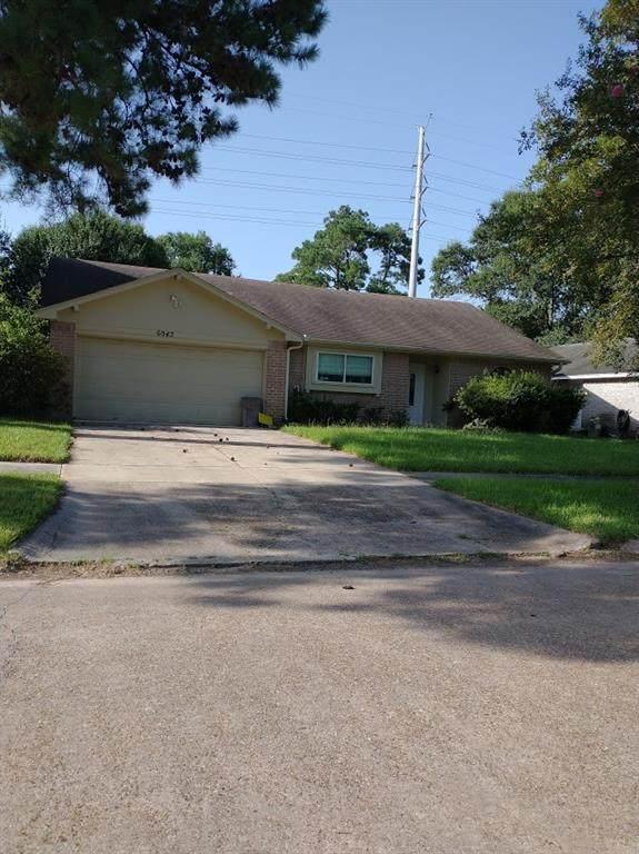 6943 Foxhurst Lane, Humble, TX 77338 (MLS #77049052) :: Guevara Backman