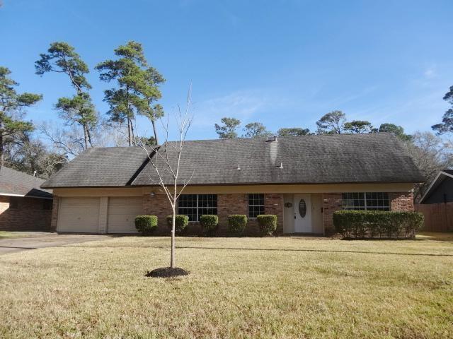2909 Cottonwood Drive, Dickinson, TX 77539 (MLS #77236643) :: The Kevin Allen Jones Home Team