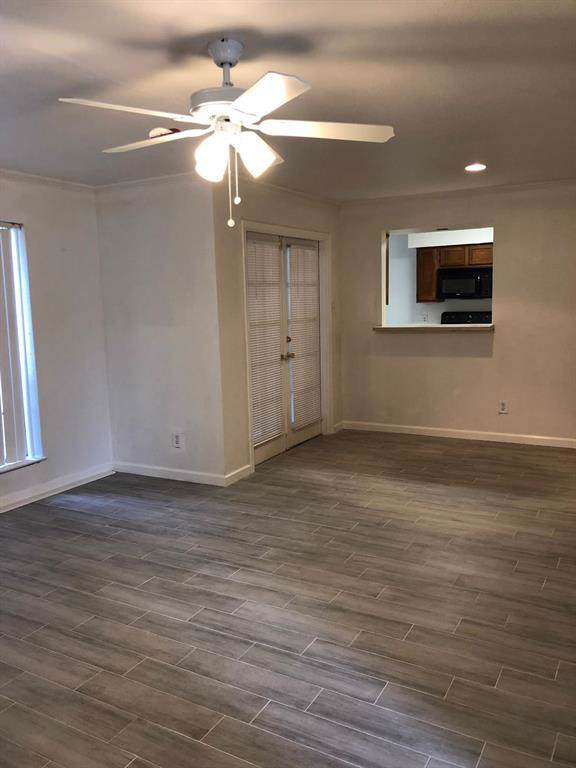 14600 Fonmeadow Drive #202, Houston, TX 77035 (MLS #77391140) :: The SOLD by George Team
