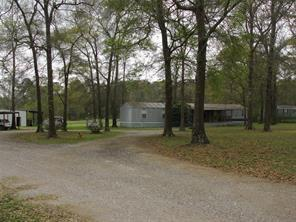 13586 Rogers Road, Willis, TX 77378 (MLS #77727780) :: Texas Home Shop Realty