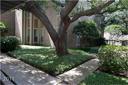 718 Bering A, Houston, TX 77057 (MLS #77830461) :: My BCS Home Real Estate Group