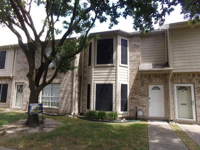1015 Birnham Woods Boulevard, Pasadena, TX 77503 (MLS #78077295) :: The Queen Team