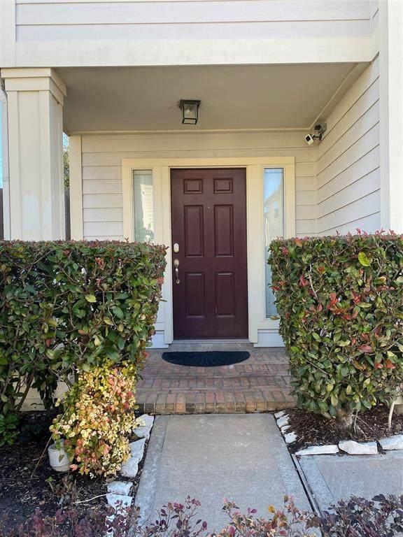 2623 Woodridge Manor Drive - Photo 1