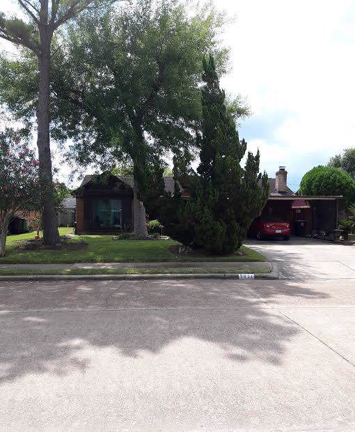 5911 N 5911 Delbury Street Streets N, Houston, TX 77085 (MLS #78116277) :: The Queen Team