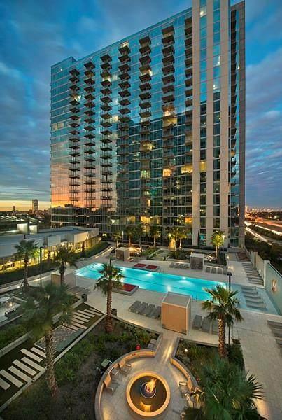 5925 Almeda Road #12004, Houston, TX 77004 (MLS #7824407) :: Michele Harmon Team