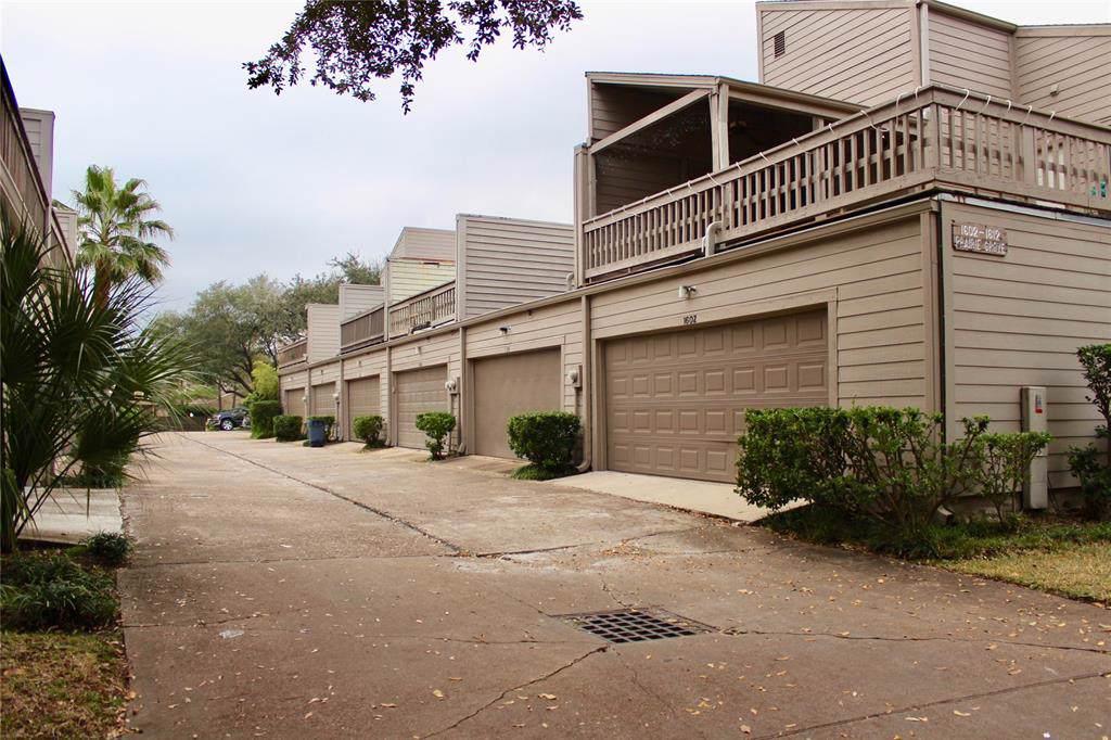 1606 Prairie Grove Drive - Photo 1