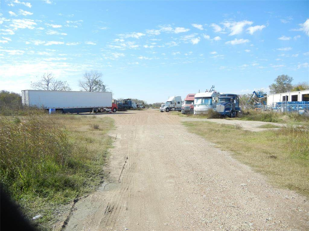 518 Fm 359 Road - Photo 1