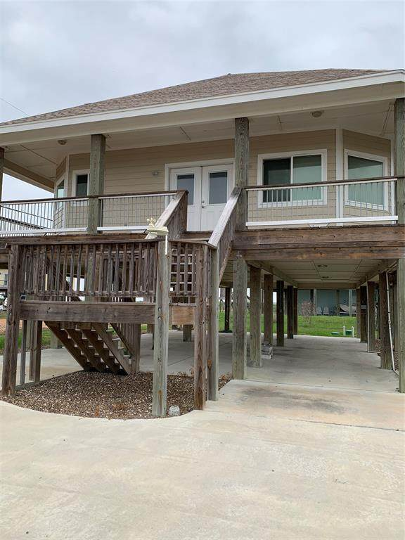 60 Northwest Drive N, Rockport, TX 78382 (MLS #78983450) :: Michele Harmon Team