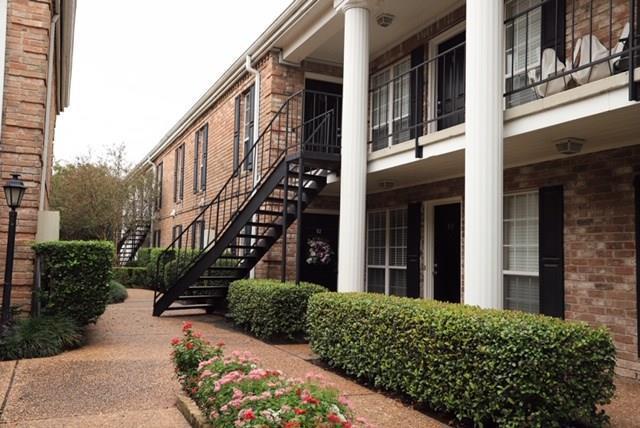 6402 Del Monte Drive #53, Houston, TX 77057 (MLS #79755344) :: Texas Home Shop Realty