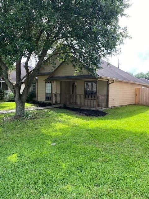 213 Slossen Street, Webster, TX 77598 (MLS #80312447) :: TEXdot Realtors, Inc.