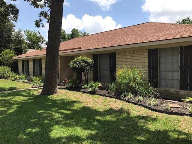 15 E Chatham Street, Bellville, TX 77418 (MLS #80353745) :: Ellison Real Estate Team