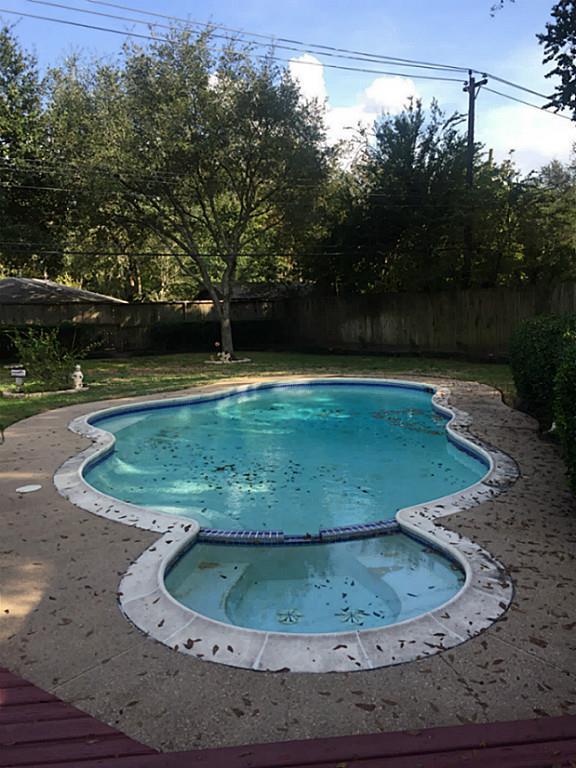 9323 Braes Bayou Drive, Houston, TX 77074 (MLS #80481745) :: Texas Home Shop Realty
