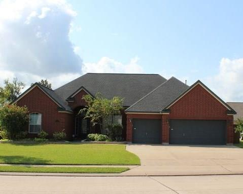 53 Red Maple Court, Lake Jackson, TX 77566 (MLS #80557079) :: Texas Home Shop Realty
