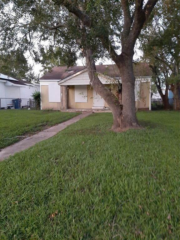 1510 W 5th, Freeport, TX 77541 (MLS #80667461) :: Caskey Realty