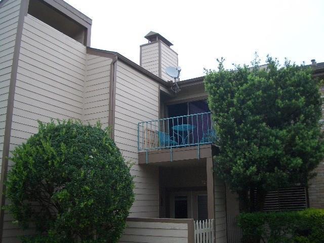 7090 N Holiday Drive, Galveston, TX 77550 (MLS #81102470) :: Team Parodi at Realty Associates