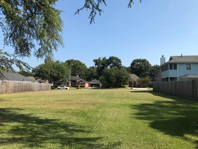 5129 Greenwater Drive, Willis, TX 77318 (MLS #81119737) :: The Heyl Group at Keller Williams