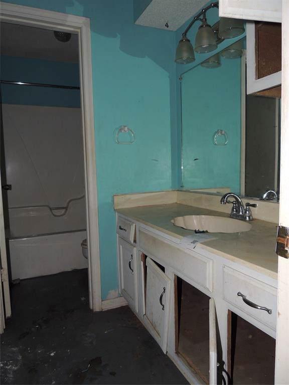 1425 Rev Swinney Street, West Columbia, TX 77486 (MLS #81366042) :: Texas Home Shop Realty