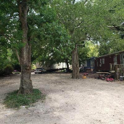 205 Sears Road, Arcola, TX 77583 (MLS #8150708) :: NewHomePrograms.com