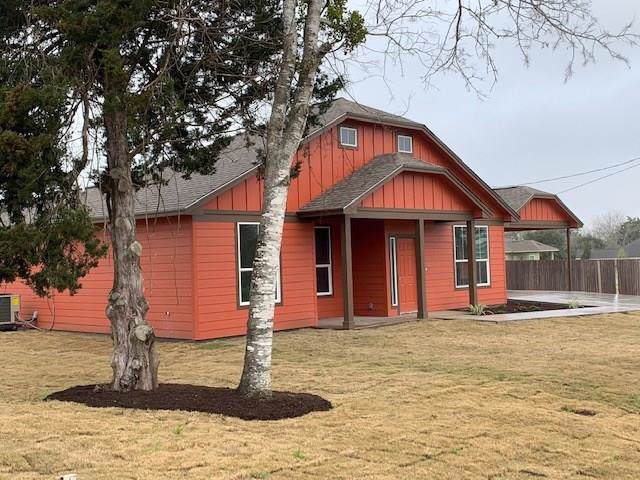 102 Garbade Lane, Flatonia, TX 78941 (MLS #81789554) :: Texas Home Shop Realty