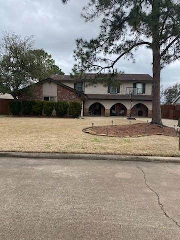 311 Westwood Drive, Friendswood, TX 77546 (MLS #81957327) :: Ellison Real Estate Team