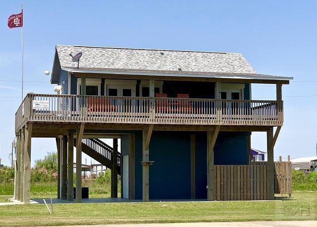 842 Trout Boulevard, Crystal Beach, TX 77650 (MLS #81972591) :: The Sansone Group