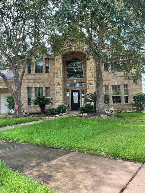 5103 Fountainbrook Lane, Sugar Land, TX 77479 (MLS #82000387) :: Lerner Realty Solutions