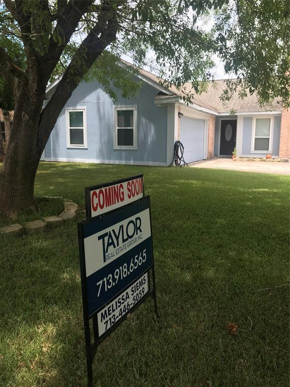 5622 Buttercup Street, League City, TX 77573 (MLS #82077175) :: The SOLD by George Team