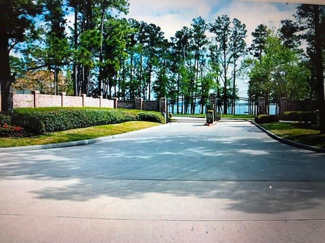 3 Oak Bend Circle Circle, Conroe, TX 77304 (MLS #82139789) :: The SOLD by George Team